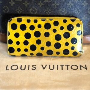 Louis Vuitton Bags - 😍Louis Vuitton Yayoi Kusama Yellow Zippy wallet